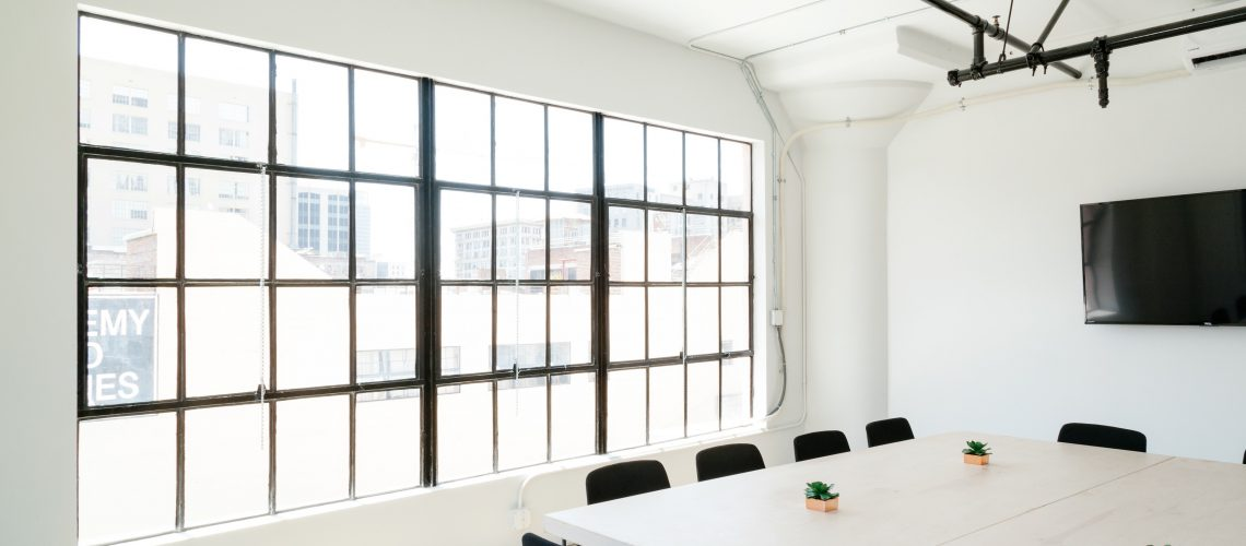 Coworking Space vs Traditional Commercial Leases: Finding the Best Fit for Your Needs