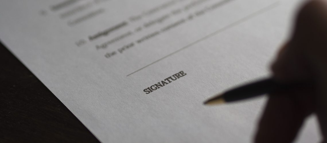 Choosing the Right Terms: How Long of a Commercial Real Estate Lease to Sign?